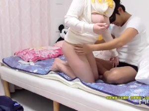 巨乳日本少女