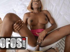 MOFOS – Ebony Kinsley Karter take white cock in backseat