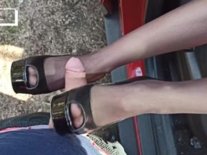 Stepsister stunningly fucked with legs in pantyhose and heels