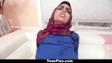 TeenPies – Muslim Girl Praises Ah-Laong Dick