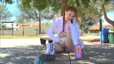 Pelirroja Teen En El Parque